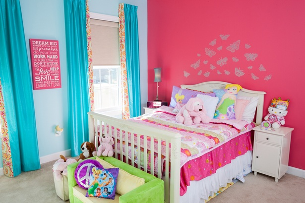 Pink-&-Turquoise-Girl's-Room
