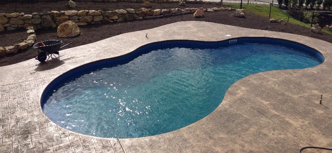 Inground vinyl liner swimming pool construction north for In ground swimming pool contractors