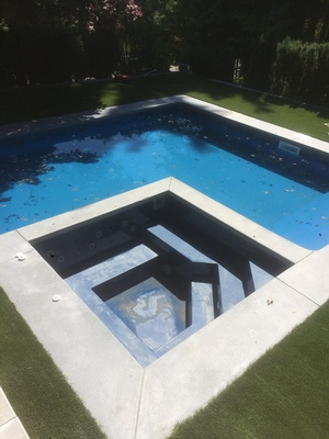 <p> 	Vinyl Inground Swimming Pool Installation North Vancouver BC</p>