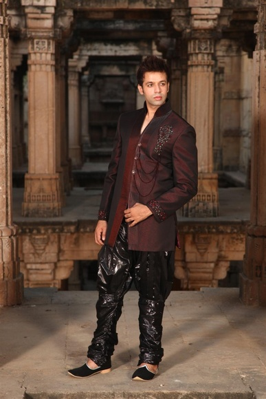 Dashing Maroon Indowestern Sherwani BL1013
